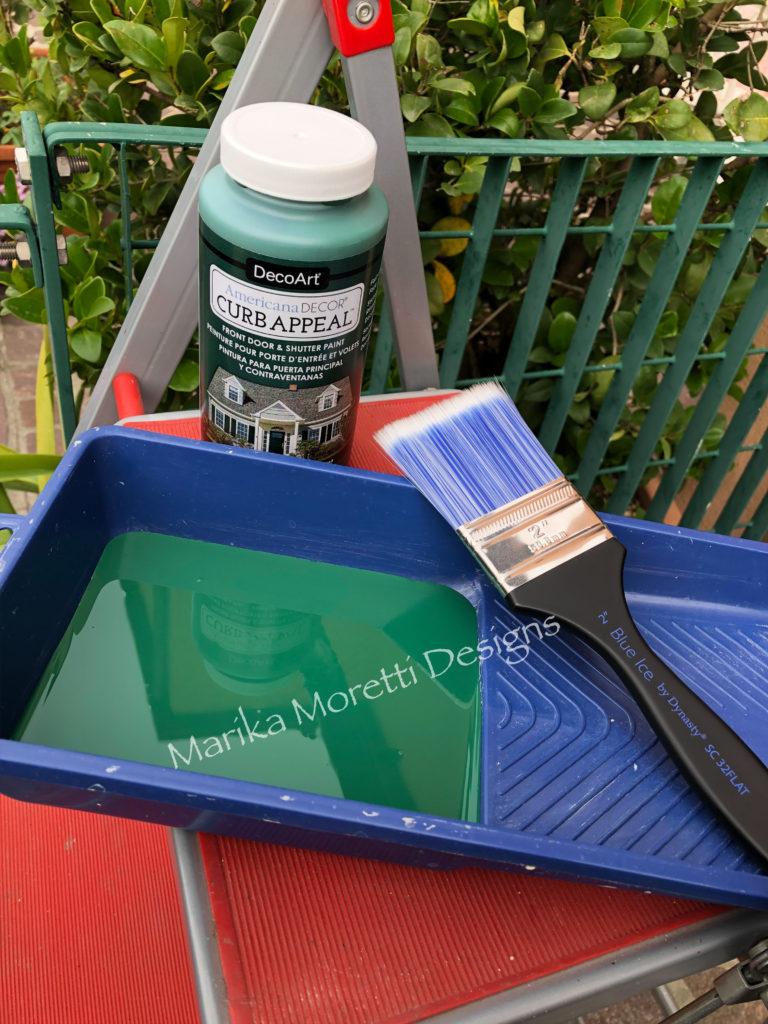 Dipingere la porta di casa: materiale necessario