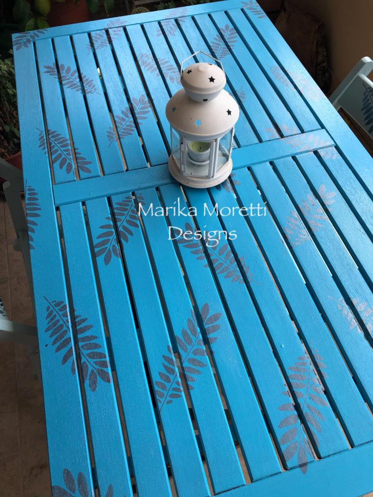 Decorazione per esterno con colori acrilici